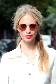 Poppy loves to liven up her look with hot pink lips like this.