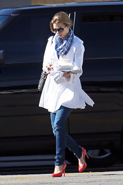 """AnnaLynne McCord wore red patent leather pumps in between takes of filming """"90210."""""""