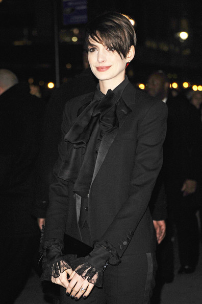 More Pics of Anne Hathaway Pixie (4 of 6) - Short Hairstyles Lookbook - StyleBistro