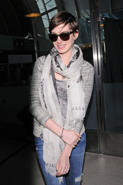 More Pics of Anne Hathaway Cardigan (3 of 17) - Cardigan Lookbook - StyleBistro