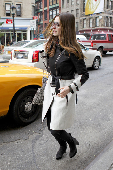 More Pics of Anne Hathaway Trenchcoat (1 of 9) - Anne Hathaway Lookbook - StyleBistro