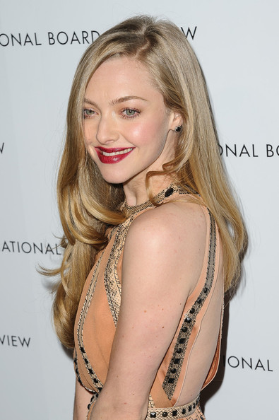 More Pics of Amanda Seyfried Beaded Dress (1 of 6) - Beaded Dress Lookbook - StyleBistro