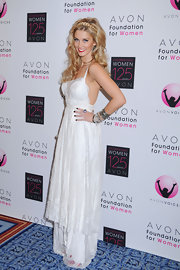 Delta Goodrem looked like a goddess in a white lacy gown at the Avon Change Awards Gala.