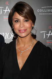 Paula Abdul's ponytail looked super sleek and sexy on the red carpet.