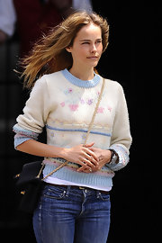 Isabel Lucas went granny chic in this pastel vintage sweater.