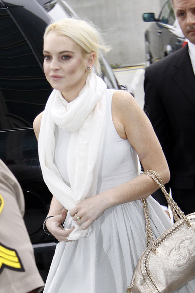 http://www1.pictures.stylebistro.com/pc/BACK+JAIL+Lindsay+Lohan+goes+back+jail+after+mvQNDRnj3R4l.jpg