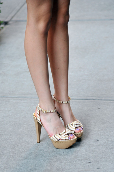 Bella Thorne Platform Sandals