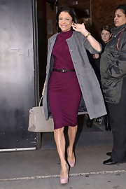 Bethenny's figure-grazing, wine-hued day dress was perfect for her appearance at 'Good Morning America.'
