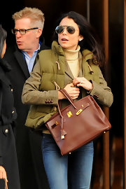 Bethenny Frankel toted a chocolate leather Hermes bag while stopping by the Soho Hotel in New York City.