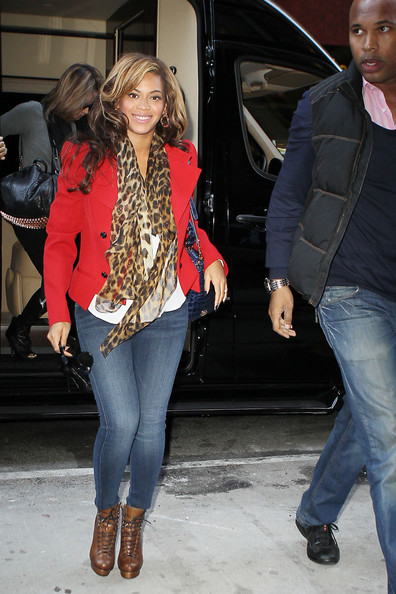 More Pics Of Beyonce Knowles Blazer 10 Of 22 Beyonce