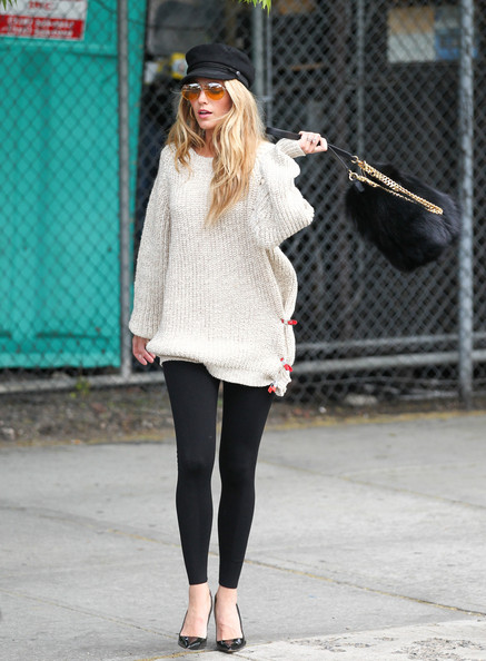More Pics of Blake Lively Leggings (11 of 20) - Blake Lively Lookbook - StyleBistro