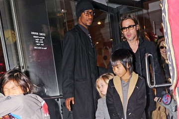 Brad Pitt Zahara Jolie Pitt Angelina Jolie and Family at FAO Schwarz