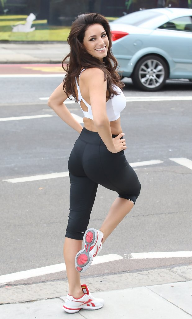 More Pics Of Kelly Brook Long Curls 5 Of 18 Kelly