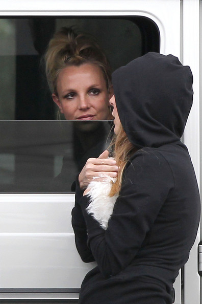 Britney Spears Chats With a Friend
