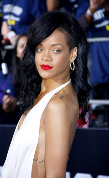 More Pics of Rihanna Red Lipstick (2 of 4) - Rihanna Lookbook - StyleBistro