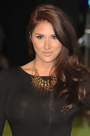 Lucy Pinder wore her lush locks in a lovely side sweep when she attended the premiere of 'The Hobbit.'