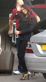 Cheryl Cole dressed up her skinny jeans with a pair of gold platform sandals proving just how fun fall footwear can be.