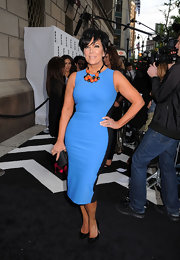 Kris Jenner wore the perfect figure-flattering dress at the E! Upfront event.