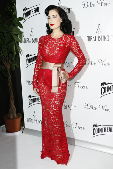More Pics of Dita Von Teese Medium Wavy Cut (1 of 13) - Medium Wavy Cut Lookbook - StyleBistro