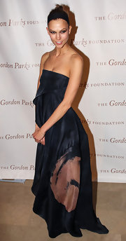 Karlie Kloss rocked a draped strapless dress at the Gordon Parks Foundation Awards.