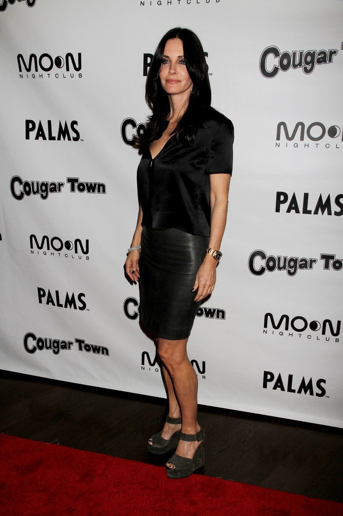 Courteney Cox Wedges Courteney Cox Looks Stylebistro