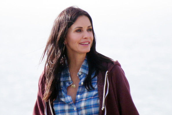 More Pics of Courteney Cox Long Wavy Cut (1 of 9) - Long Wavy Cut Lookbook - StyleBistro