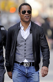 Cuba Gooding Jr. was looking extra-hip in this retro leather jacket.