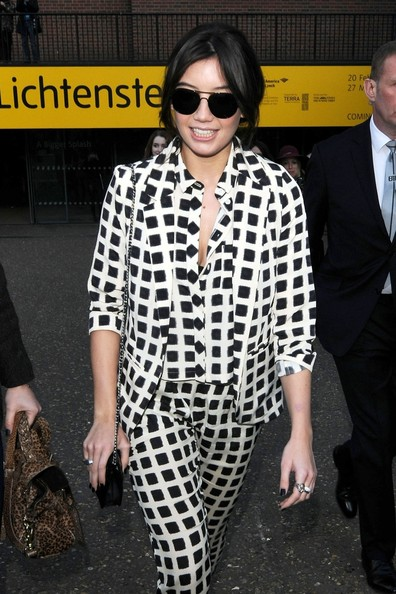 Daisy Lowe Aviator Sunglasses []