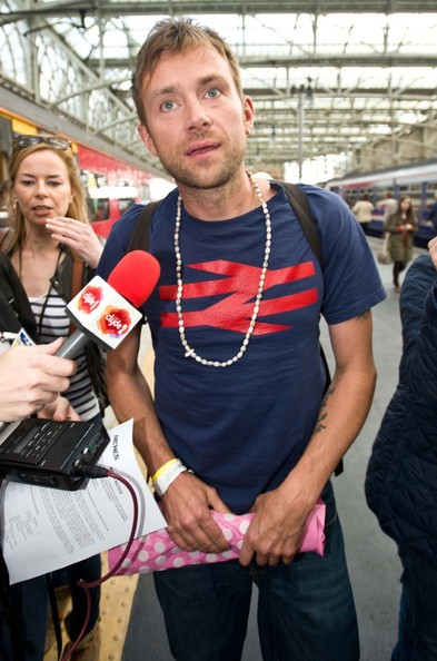 More Pics of Damon Albarn T-Shirt (1 of 23) - Damon Albarn Lookbook - StyleBistro