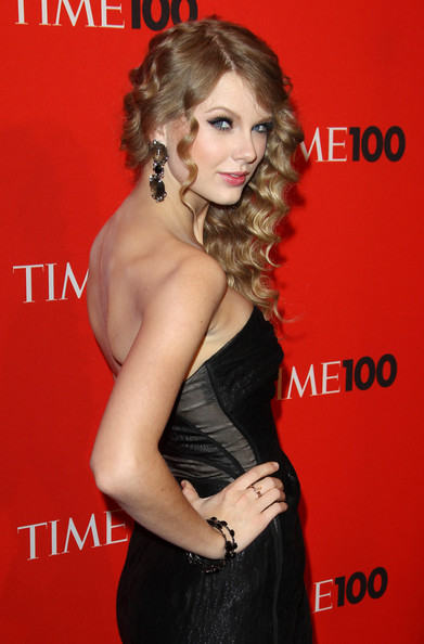 Taylor Swift Strapless Dress