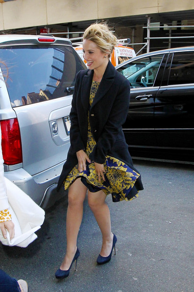 More Pics of Dianna Agron Pumps (1 of 7) - Dianna Agron Lookbook - StyleBistro []