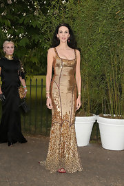 L'Wren Scott looked super elegant in a gold sequined gown.