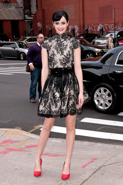 More Pics of Krysten Ritter Pumps (1 of 5) - Krysten Ritter Lookbook - StyleBistro