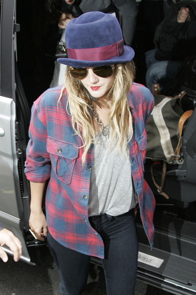 More Pics of Drew Barrymore Aviator Sunglasses (3 of 5) - Drew Barrymore Lookbook - StyleBistro