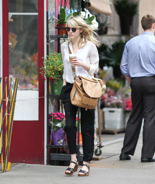 More Pics of Emma Stone Oversized Satchel (1 of 9) - Emma Stone Lookbook - StyleBistro