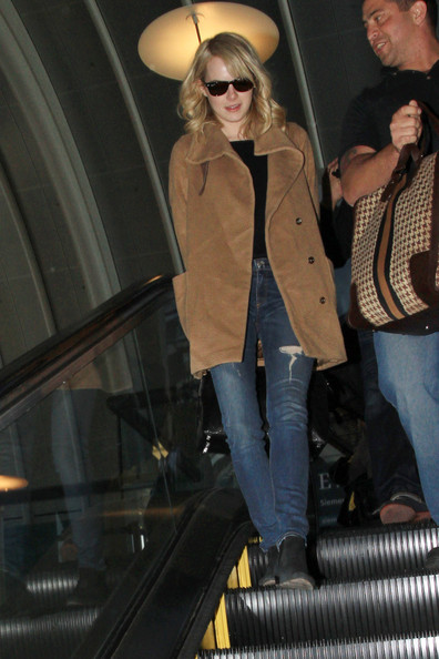 More Pics of Emma Stone Ripped Jeans (1 of 17) - Jeans Lookbook - StyleBistro