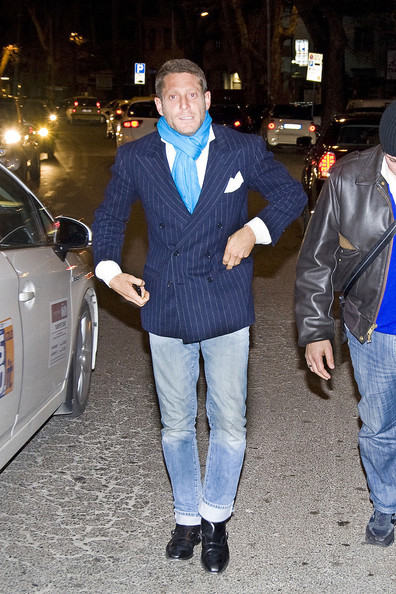 Lapo Elkann paired faded jeans with a pinstripe blazer for a smart-meets-edgy finish.