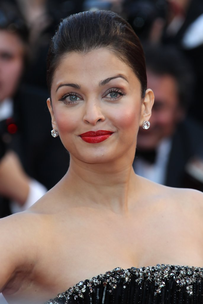 "Aishwarya Rai Bachchan arrives on the red carpet for the screening of ""Tournee"" by director Mathieu Amalric at the 63rd Cannes Film Festival."