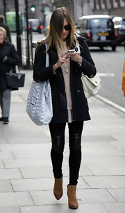 Fearne Cotton strolled through the streets carrying a striped hobo bag.