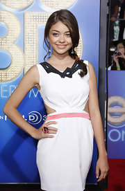 Sarah Hyland added a pop of color to her white cutout dress with a vibrant Fleurs de Psydelic cocktail ring.