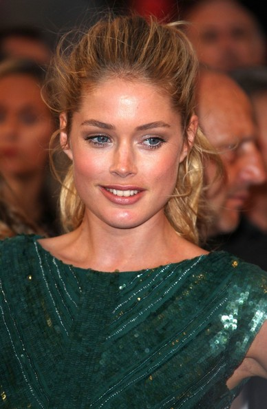More Pics of Doutzen Kroes Ponytail (3 of 5) - Doutzen Kroes Lookbook - StyleBistro
