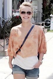 Hayden looked casual and sweet in a bright-colored top and classic gold aviator sunglasses.