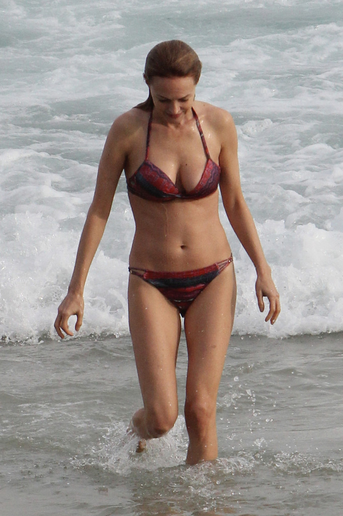 More Pics Of Heather Graham Bikini 19 Of 44 Bikini