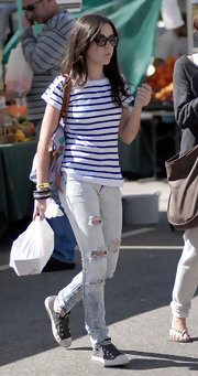 Isabelle is wearing a horizontal striped tee to the farmer's market.