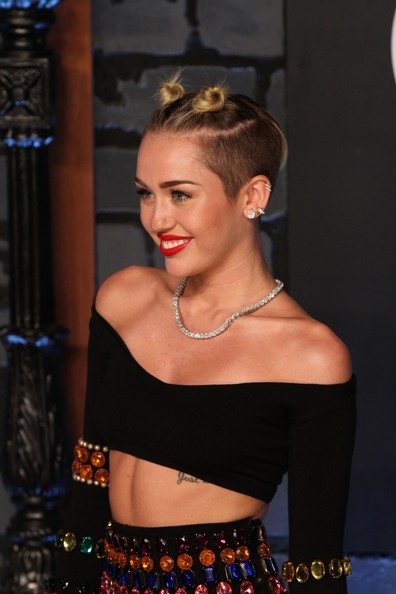 More Pics of Miley Cyrus Crop Top (1 of 19) - Miley Cyrus Lookbook - StyleBistro