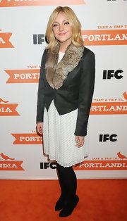 Abby Elliott played with extremes at the 'Portlandia' premiere, teaming a floaty dress with a fur-trimmed blazer.