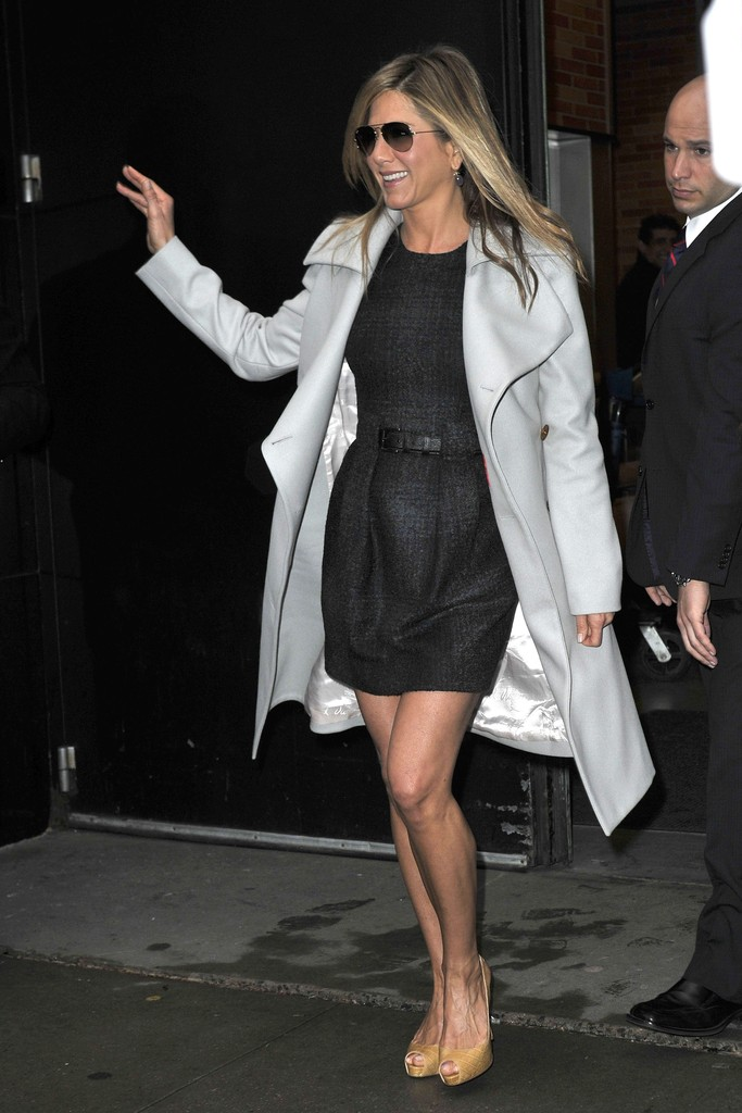 Jennifer aniston mini dress jennifer aniston clothes Jennifer aniston fashion style pictures