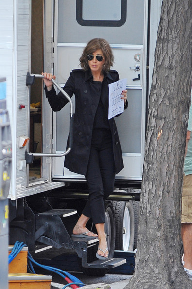 Jennifer Aniston Trenchcoat
