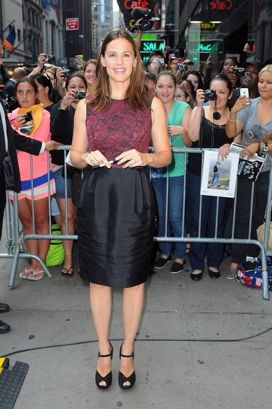 Jennifer Garner Knee Length Skirt