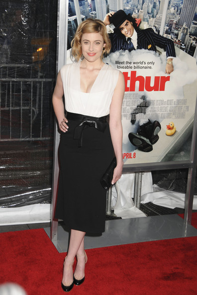 More Pics of Greta Gerwig Leather Clutch (1 of 7) - Greta Gerwig Lookbook - StyleBistro